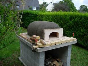 The oven itself (hearth)