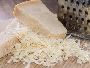 Parmigiano reggiano (Parmesan)
