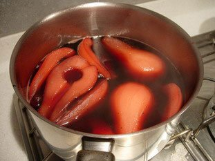 Pears in red wine with blackcurrant  : Photo of step #4