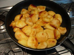 Apple charlotte with toasted brioche : Photo of step #2