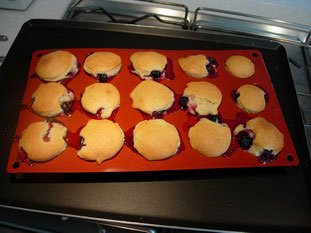 Blackcurrant-almond muffins : Photo of step #6