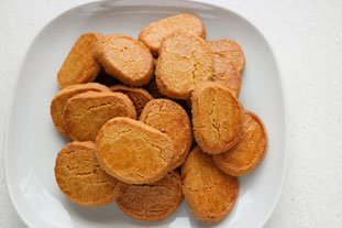 Toasted-flour biscuits