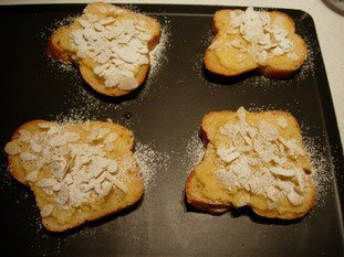 Brioche slices with almond cream : Photo of step #6