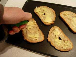 Melting Epoisses on toast  : Photo of step #1