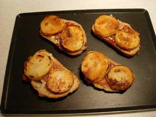 Melting Epoisses on toast  : Photo of step #6