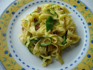 Tagliatelle and courgette spaghetti, carbonara style : Photo of step #14