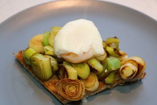 Fried bread with leek and poached egg  : Photo of step #8