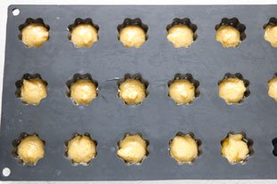 Savoury mini-madeleines with 2 cheeses : Photo of step #5