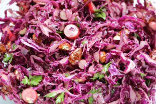 Red cabage salad with toasted almonds