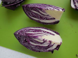 Red cabbage salad with chives : Photo of step #3