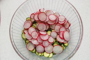 Crunchy spring salad : Photo of step #6
