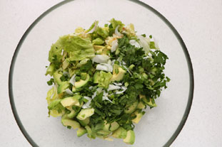 Green avocado salad : Photo of step #5