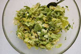 Green avocado salad : Photo of step #8