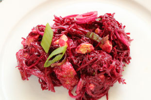Beetroot salad with cashew nuts