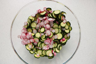 Crunchy courgette and mushroom salad : Photo of step #3