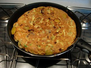 Potato tortilla (Spanish omelette) : Photo of step #15
