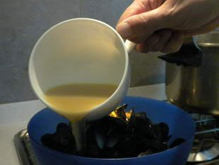Mussels marinière : Photo of step #9
