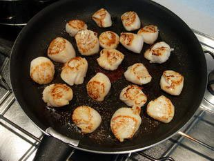 Scallops with cabbage julienne : Photo of step #7