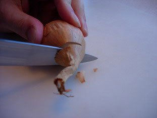 How to prepare an onion or shallot : Photo of step #3