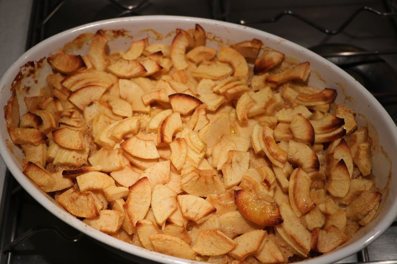 Apple and almond gratin