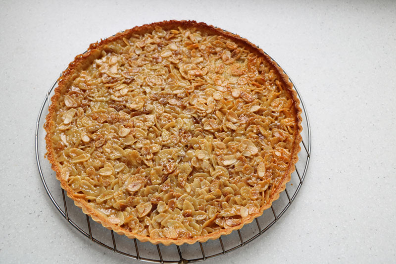 Flaked almond tart