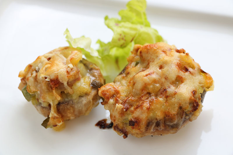 Stuffed mushrooms au gratin