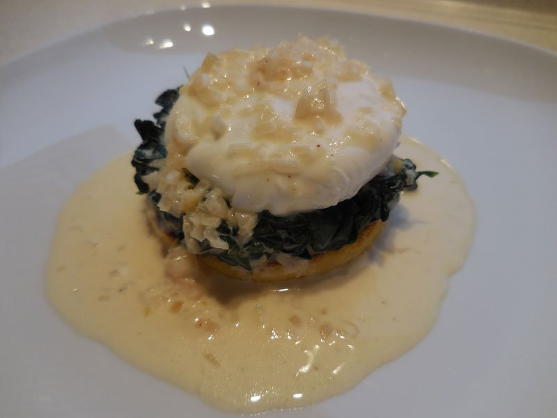 Polenta with spinach and soft-poached egg
