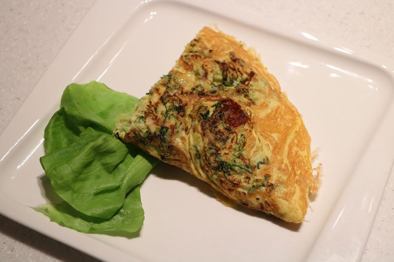 Bacon and cabbage omelette