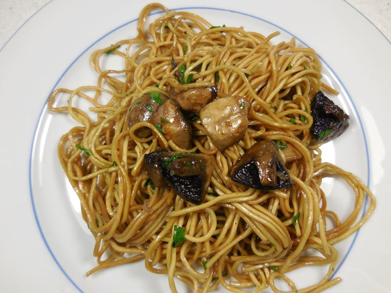 Spaghetti with mushrooms