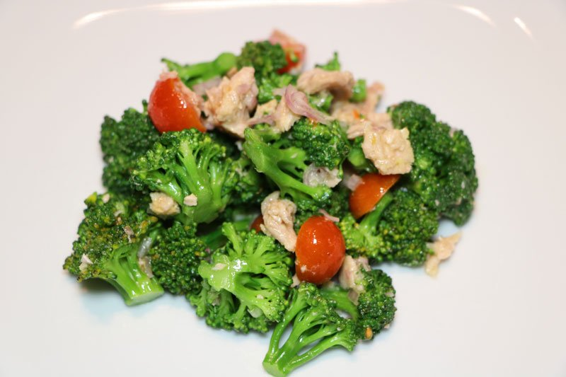 Warm broccoli and Tuna Salad