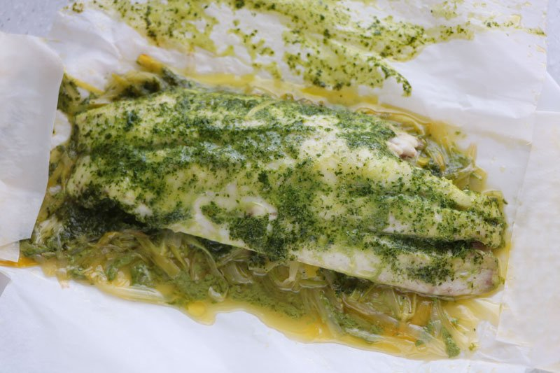 Sea bass with coriander cream en papillote