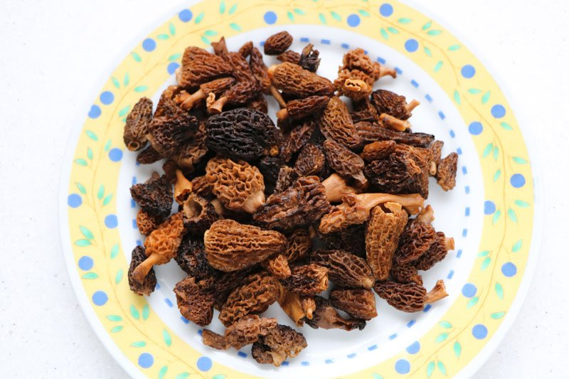 How to rehydrate dried mushrooms