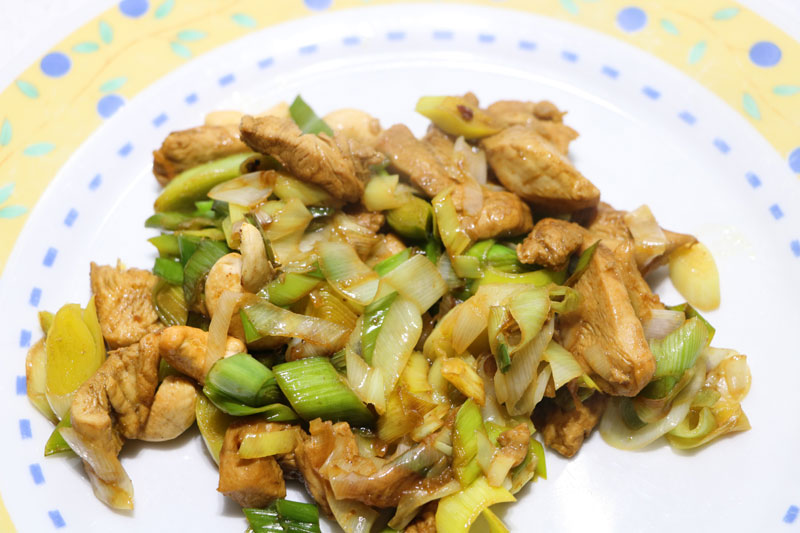 Sautéed chicken with leeks