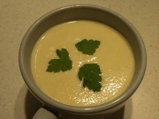 Celeriac soup with mustard